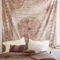 Adaline Medallion Gauze Tapestry - Urban Outfitters