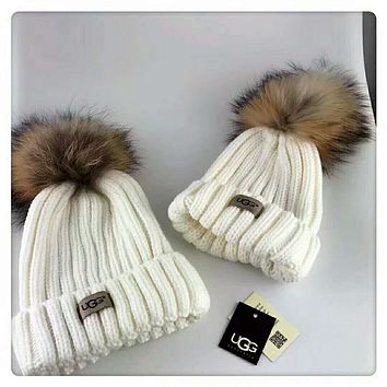 UGG Autumn and winter leisure wild knit hair ball wool cap parent-child cap White