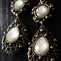 Teardrop Antiqued Gold and Pearlescent Dangles Gauges Plugs Drops