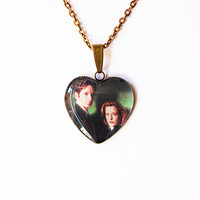 """Fox Mulder (David Duchovny) and Dana Scully (Gillian Anderson) From Television Series """"The X-Files""""- Handmade Heart Cameo Pendant Necklace"""
