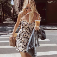 Street beat sexy Daisy print suspender skirt women's new retro wild dress