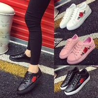 Women's Fashion Running Hiking Floral Embroidered Shoes/Sneakers.