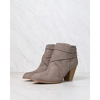 Final Sale - A Rare Braid Suede Booties in Taupe