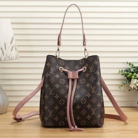 Louis Vuitton LV Fashion Leather Bucket Bag Crossbody Handbag
