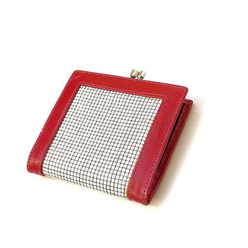 GLOMESH!!!Vintage 1970s 'Glomesh' white mesh bi fold purse with red leather borders and central coin compartment
