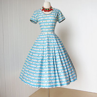 vintage 1950's dress ...staple JERRY GILDEN frederick's ditsy floral novelty print cotton full skirt pin-up dress