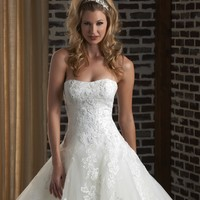 Bonny Classic 335 Lace Ball Gown Wedding Dress
