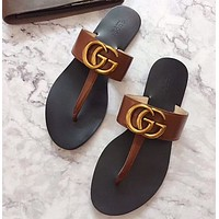GUCCI Popular T-shaped flat sole flip flops in early spring-14