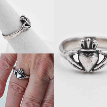 Vintage James Avery Sterling Silver Claddagh Ring, Heart, Hands, Crown, Love, Friendship, Loyalty, Irish, Size 7, Retired #b670