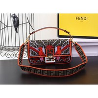 9.2 [Spot] FENDI Baguette Container New Fashion Bag Embroidery Handbag