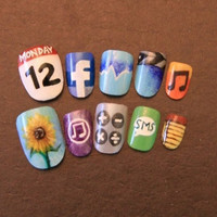 $30.00 iPhoneinspired Nail Art by MsBluetuesday on Etsy