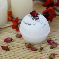Peppered Poppies Bath Bomb - 5 Ounces