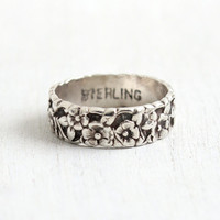 Vintage Sterling Silver Repousse Flower Ring - Size 6 1/2 Floral Eternity Cigar Band Forget Me Not Jewelry