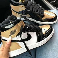 Nike AIR Jordan 1 AJ1 fashion men's and women's high-top skateboarding shoes basketball shoes sports casual shoes 7