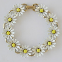 Sweet Vintage Daisy Bracelet White Enamel on Gold Tone Metal Yellow Opaque Milk Glass or Lucite Centers Book Chain Flower Floral Daisies