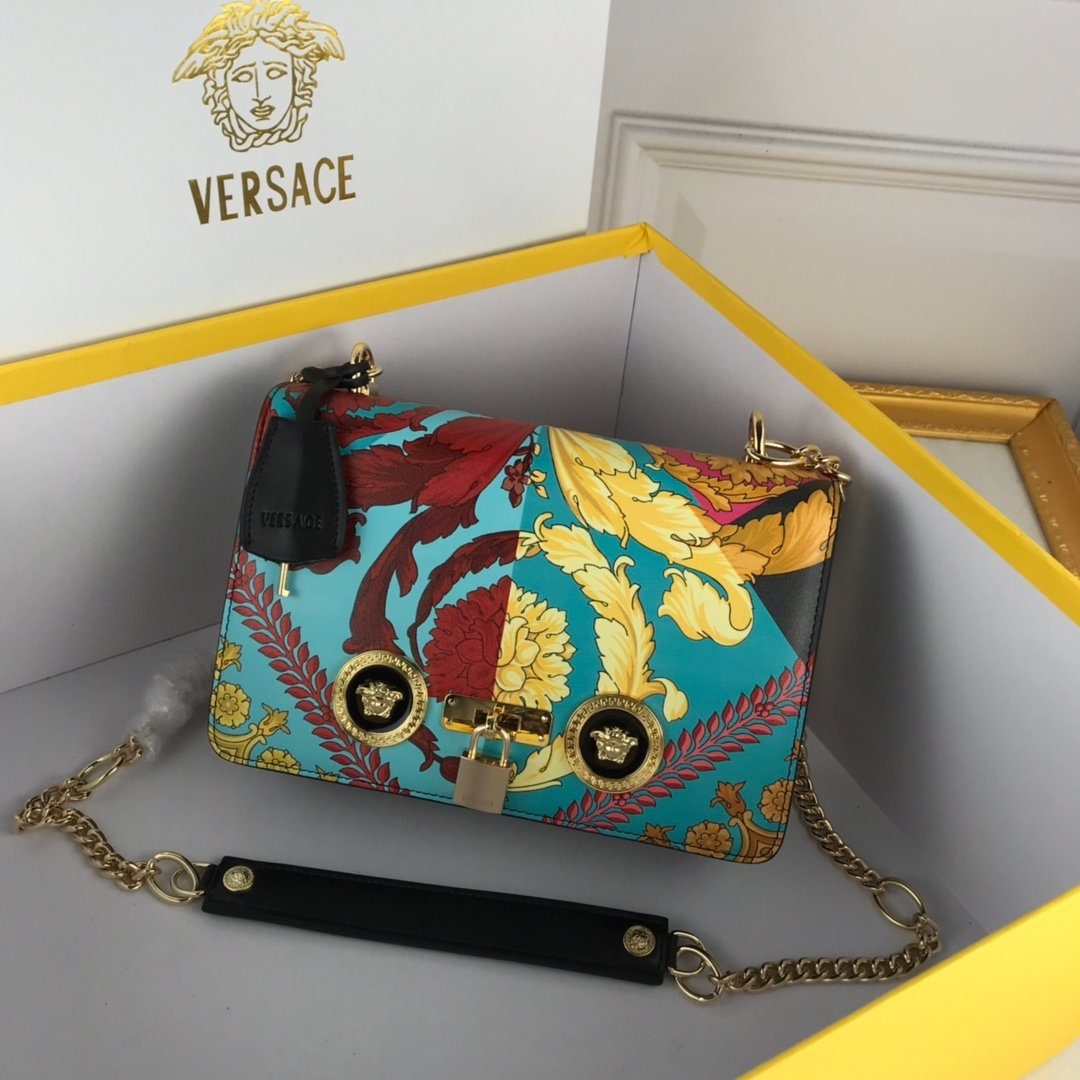 Image of VERSACE WOMEN'S LEATHER 303K2 INCLINED CHAIN SHOULDER BAG