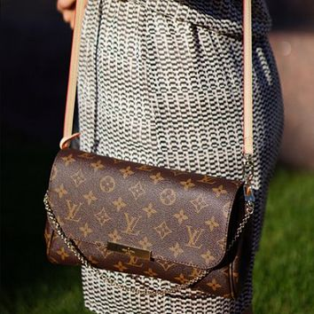 LV Louis Vuitton Classic Letter Print Retro Flap Chain Crossbody Bag Shoulder Bag Shopping Bag