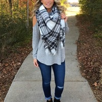 The Perfect Blanket Scarf - Black/White
