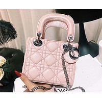 DIOR 2018 counter model three-grain pearl light wear shoulder bag shoulder Messenger bag F-XM-LL Pink
