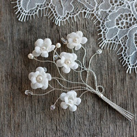 Groom boutonniere, Rustic wedding boutonniere, White Boutonniere for groom, Flower for groom, Rustic wedding, Buttonhole, Groom accessory.