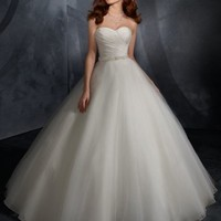 Fantastic A-line Sweetheart Organza Wedding Gown Bridal Wear With Ruffles And Sash