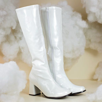 60s gogo boots / white knee high boots
