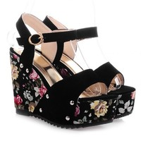 Sweet Women's Sandals With Suede and Floral Print Design