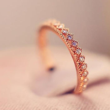 Dainty Floral Pattern Gold Crown Ring