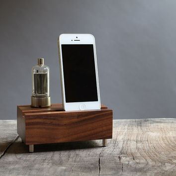 Universal dock for iPhones handcrafted from walnut wood with vacuum tube 2E26