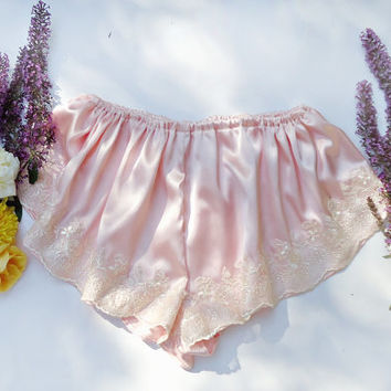 Vintage inspired french knickers, silk knickers, silk lingerie, pink silk knickers, silk panties, vintage lingerie, vintage panties,lingerie