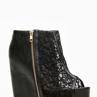 Qupid Black Lace Detailed Booties