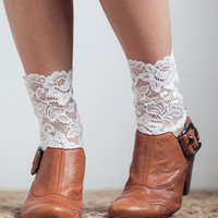 White Scallop Crochet Lace Leg Warmers