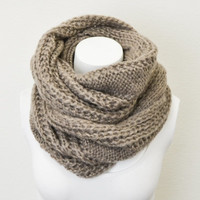Chunky Cable Knit Infinity Scarf , Mocha Brown Knit Circle Loop Scarf, knit Women Fashion Accessories Scarves - Gift Ideas - Trending Items