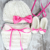 Crochet beanie, diaper cover and slippers set, newborn/baby photography- MADE TO ORDER