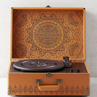 Crosley X UO Keepsake Embossed Portable USB Vinyl Record Player | Urban Outfitters