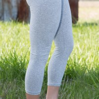 basic crop leggings in heathered grey