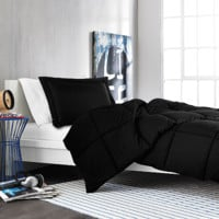 Solid Comforter Set in Black
