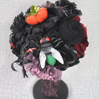 Halloween Bouquet, Halloween Decor, Spider Bouquet, Gothic Alternative Bouquet Halloween Costume Bouquet Black Purple Orange Flowers Insects