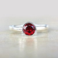 Red Garnet Ring Red Gem Engagement Ring Solitaire Ring Recycled Sterling Silver Size 7,5 Promise Ring Birthstone Jewelry 6mm Garnet