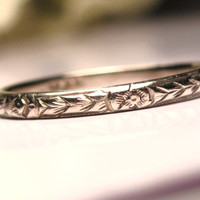 Antique Art Deco Wedding Band 18K White Gold Ladies Wedding Band Floral Etched Antique Wedding Ring Stackable Ring Size 6!