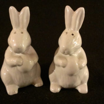Rabbit Salt and Pepper Shakers (787)