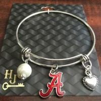 From The Heart  Alabama  MEMORY WIRE / PEARL AND HEART Bracelet New