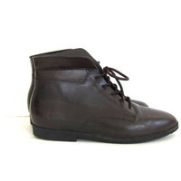 Vintage brown leather ankle boots. Lace up boots. granny boots. women's shoes size 8
