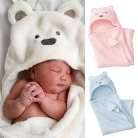Coral cashmere blankets hold the newborn baby [120877449241]