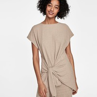 TEXTURED T-SHIRT WITH KNOT DETAILS