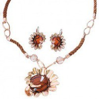 Fashion Retro Style Flowers Pendant Crystal Embellished Women's Necklace and Earrings