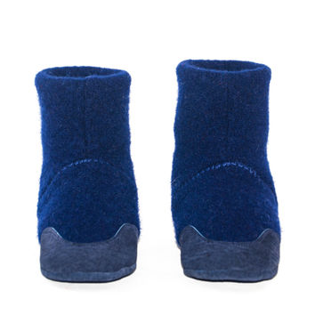 Kids Cashmere Shoes, Boy's Wool Boots, Soft Soled and Eco-friendly.  Blue Wool Shoes.  Sizes: Kids 7.0 -11.5. Blue Berries