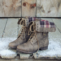 The Lodge Boots in Birch