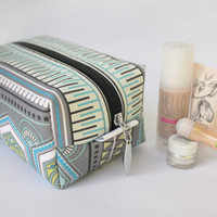 Large make up bag, make up case,  toiletries, toiletries case,  multi-use zipper bag, waterproof lining, nappy case, wet bag in Eco