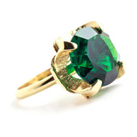 Vintage Emerald Green Cocktail Ring -  Adjustable Gold Tone Claw Set Glass Stone Costume Jewelry / Prong Set Round Cut